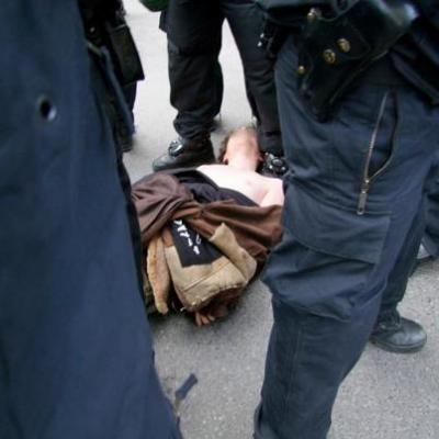 Der bewu�tlos geschlagene Demonstrant